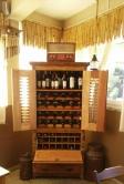 cristaleira de 1,80 x 90 x 45 com suportes para vinho cod 23