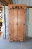 cod. 72  armario de cozinha 1.90x 80 com detalhes emtalhado em flor