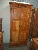 armário de 1,90 x 0,90 com portas almofadadas cod 54