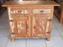 buffet de 2 x 0,90 x 0,43 com duas portas almofadadas e duas gavetas com pátina branca  cod 22