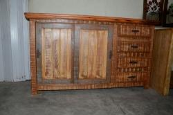 cod. 02-buffet 1,50 x 50 com portas de correr e 3 gaveta