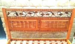 cod 09 cama tamanho padrão 1.88 x 1.38 com detalhe em ferro
