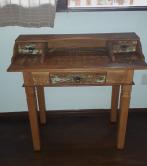 escrivaninha de 1 x 0,80 x 0,50 cod 07