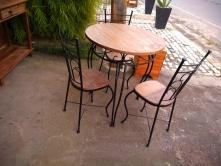jogo de mesa com 3 cadeiras cod 08