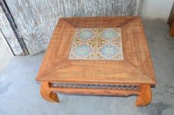 cod. 07-mesa de centro com ladrilho e metal 80 x80