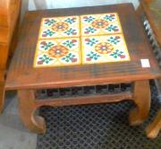 mesa de centro de 60 x 60 com ladrilho cod 18