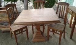 cod. 07-mesa 1,00 x 1,00 com 4 cadeiras com pé central
