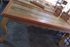mesa de 2,5 x 1 pés de leão com detalhe de babado nas laterais cod  50