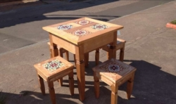 conjunto mesa e banquetas com ladrilho 70 x 70 cod 84