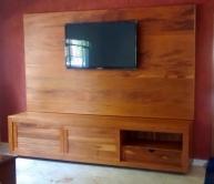painel para TV de peroba rosa de 2,20 x 1,90 cod 06